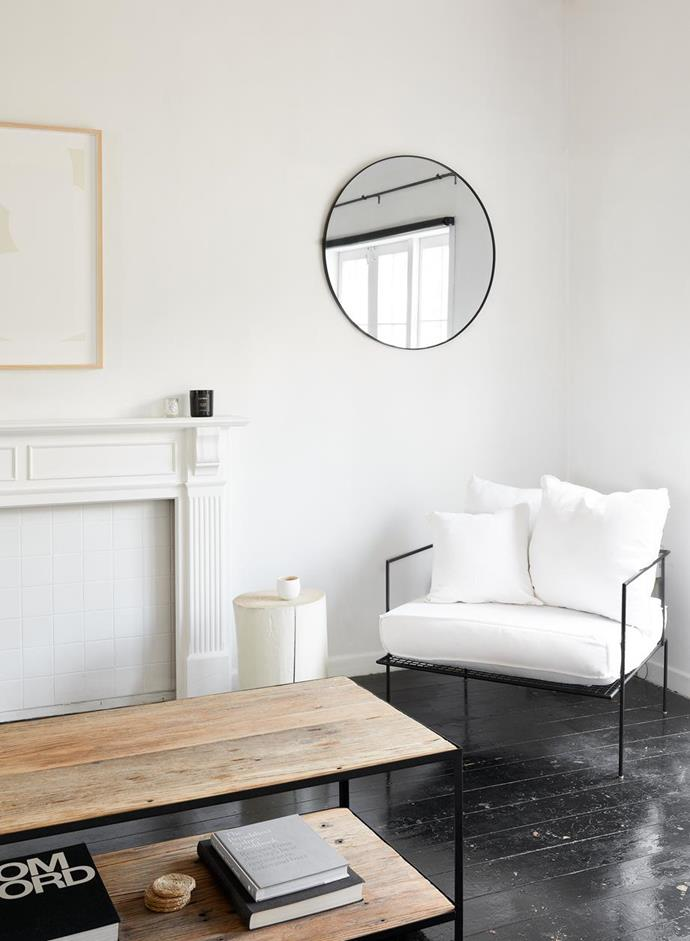The home of stationery visionary and monochromatic influencer, Beck Wadworth featured a monochrome round mirror. Photographer: Kirsty Dawn