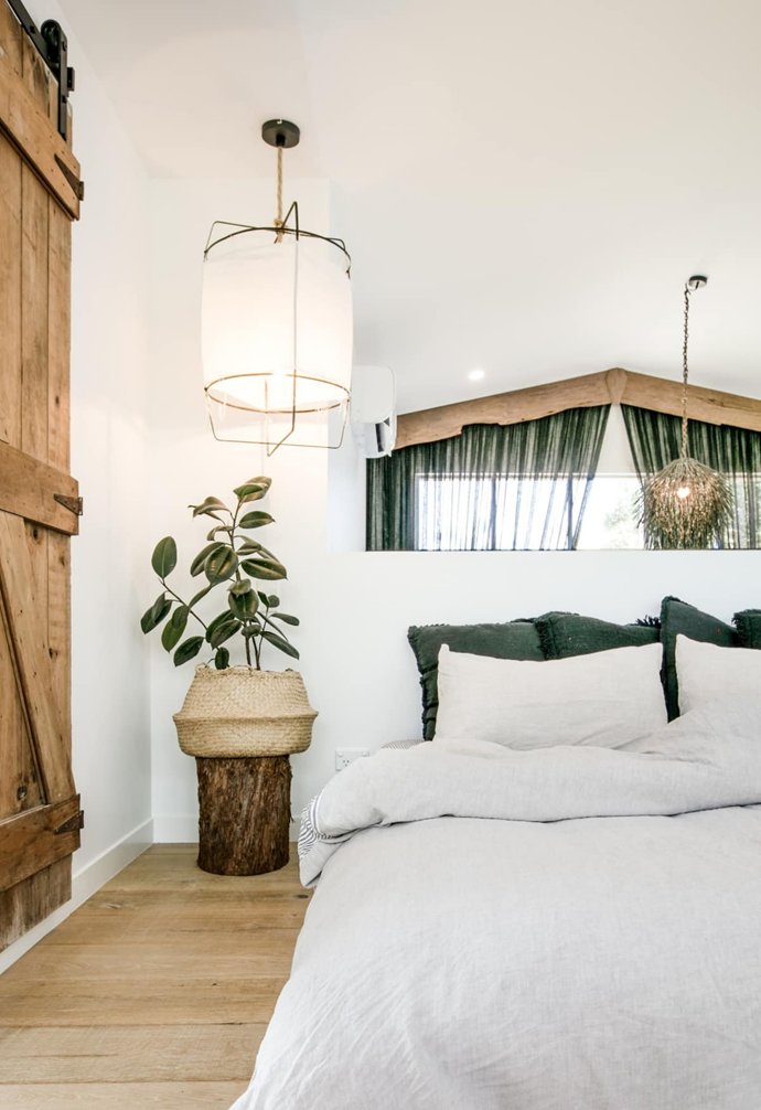 """**[The Pool House](https://www.airbnb.com.au/rooms/plus/26397383?source_impression_id=p3_1611891583_KdowRHYfV8Osvwsw&guests=1&adults=1