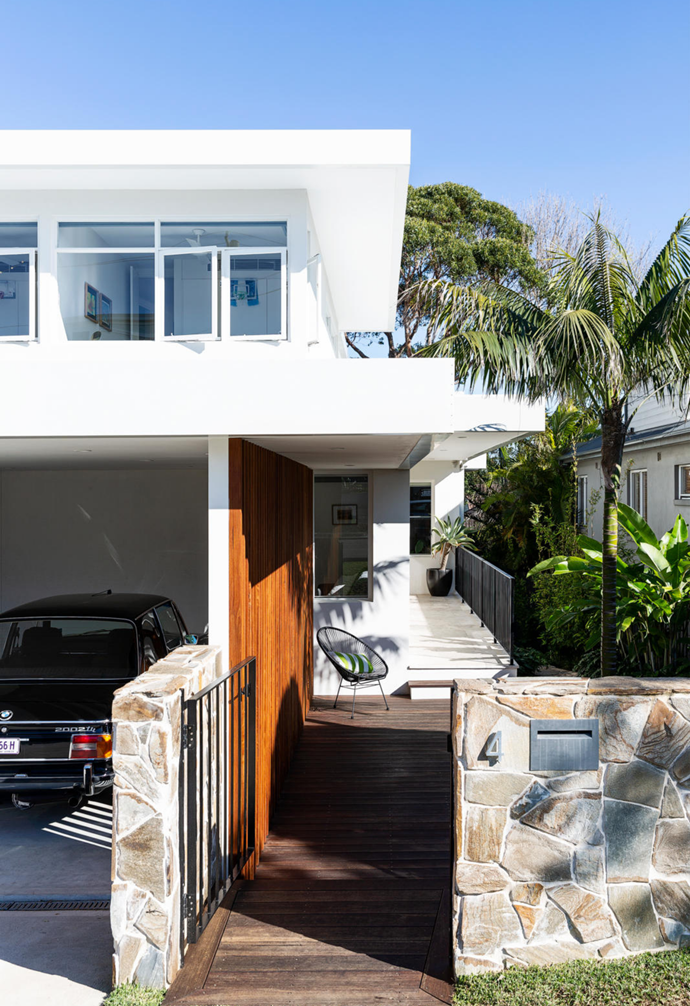 """Built in the 1940s, this [coastal modernist home](https://www.homestolove.com.au/mid-century-modern-coastal-home-freshwater-22223