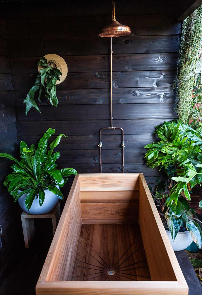 "This statement cedar bath by [Saltwood Designs](https://www.saltwooddesigns.com.au/|target=""_blank""|rel=""nofollow"") oozes Nordic design appeal."