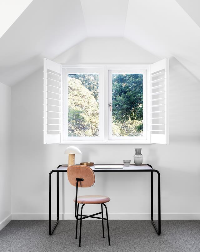 "This [century-old Sydney home](https://www.homestolove.com.au/century-old-home-modern-renovation-22016|target=""_blank"") has been rejuvenated with a thoughtful renovation that delivers lashings of light, privacy and views into the treetops. Photographer: Tom Ferguson 