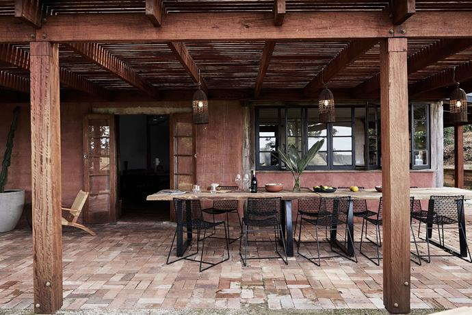 """There is plenty of room to [entertain outdoors](https://www.homestolove.com.au/outdoor-entertaining-areas-2741