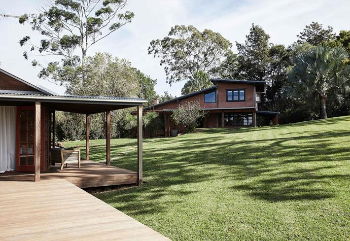 """<p>The Perch is surrounded by the beautiful scenery of the Byron Bay hinterland.<p> <br></br> **<P>For information and bookings, visit [The Perch](http://byronbeachabodes.com.au/abodes/the-perch/