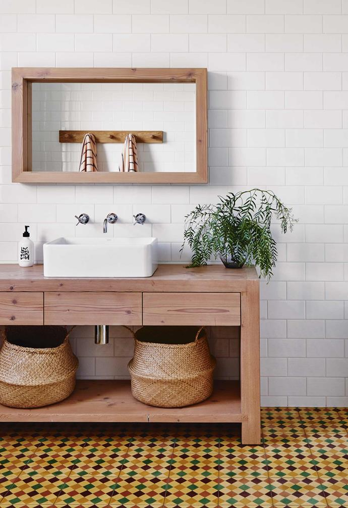 """A love of colour and a desire to introduce a sense of fun into this [renovated 1920s Californian bungalow](https://www.homestolove.com.au/californian-bungalow-barwon-heads-17909