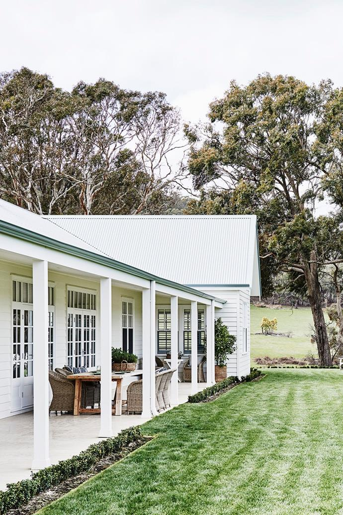 """This [newly-built farmhouse](https://www.homestolove.com.au/modern-australian-farmhouse-design-21558