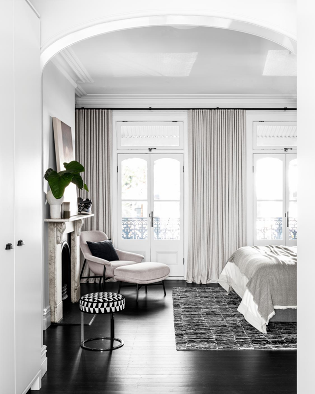 """Old meets new in this [1890s heritage terrace](https://www.homestolove.com.au/victorian-era-terrace-modernist-update-21694