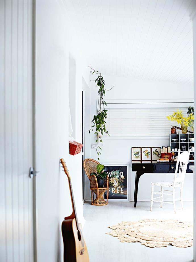 """**Light and inspiring** <br> If you work in a creative industry, it's important to create a space that inspires and motivates. In the home office of this [renovated coastal home](https://www.homestolove.com.au/vintage-coastal-home-13817
