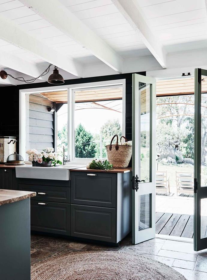 """The refurbished kitchen of this [gable roof cottage in Pipers Creek](https://www.homestolove.com.au/gable-roof-cottage-20629