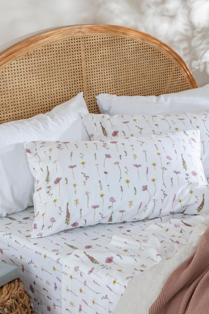 "**Printed flannelette sheet set in 'Wildflower', starting at $55, [Pillow Talk](https://www.pillowtalk.com.au/printed-flannelette-sheet-set-habbprinflan/|target=""_blank""