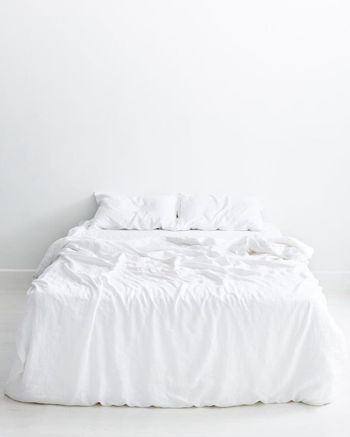 """**White [linen bedding](https://www.homestolove.com.au/buyers-guide-to-bed-linen-2562