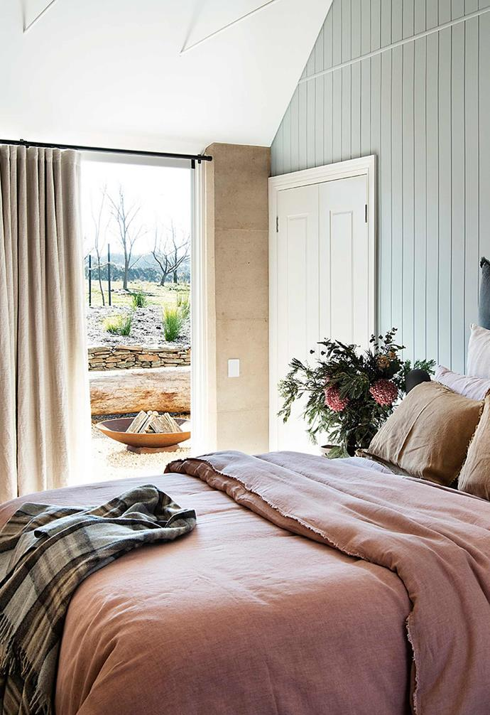 """This former sheep property in the Southern Tablelands is home to an [eco-friendly rammed earth farmhouse](https://www.homestolove.com.au/rammed-earth-farmhouse-22022