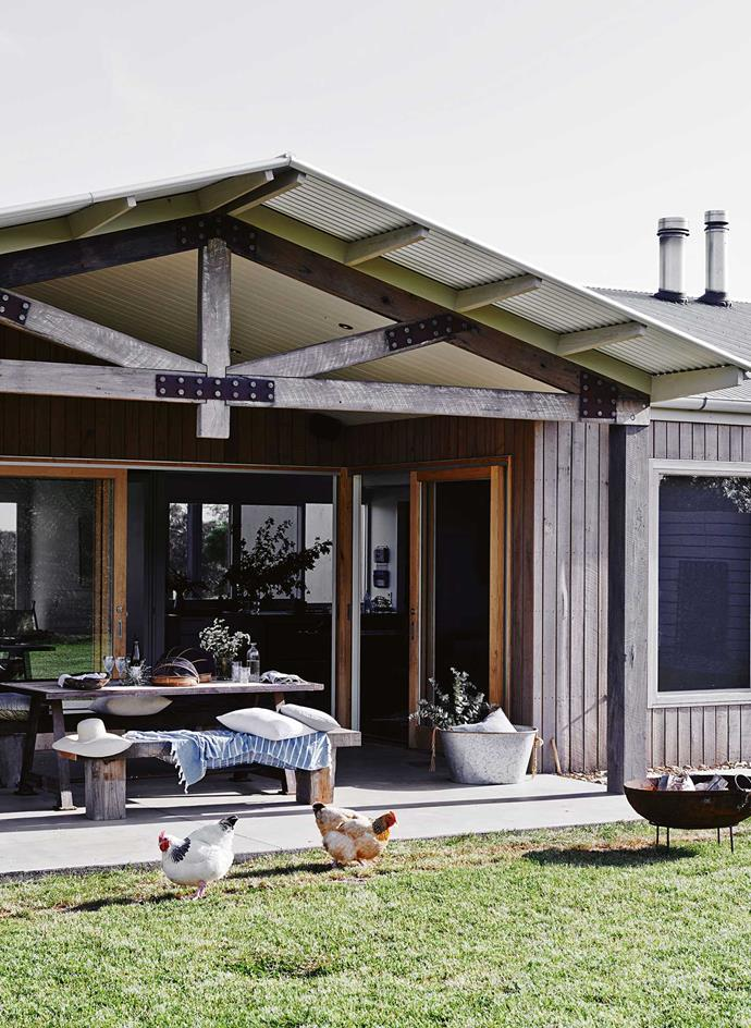 """Designed as a passion project for creative couple Johnny and Claire Greig, this [relaxed dream home in Freshwater](https://www.homestolove.com.au/designer-dream-home-in-freshwater-creek-victoria-13657