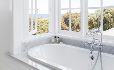 14 heavenly Hamptons-style bathrooms