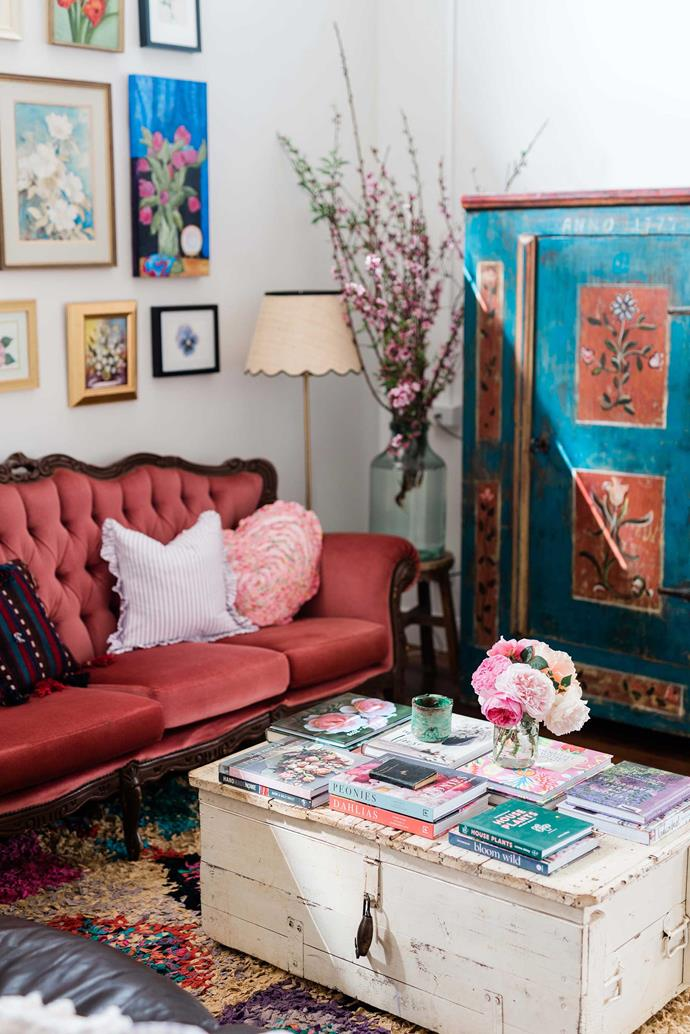"""The sofa in the living room was found on Gumtree and the Russian folk art cabinet is from [White Cottage in Tenterfield](https://www.bhg.com.au/tara-dennis-tenterfield-white-cottage