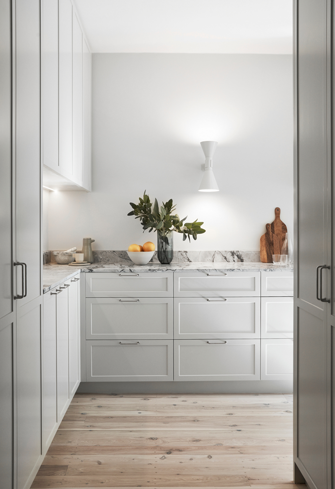 """When a self-confessed tree lover and her husband discovered this [light-filled 1930s apartment](https://www.homestolove.com.au/airy-art-deco-apartment-sydney-22090