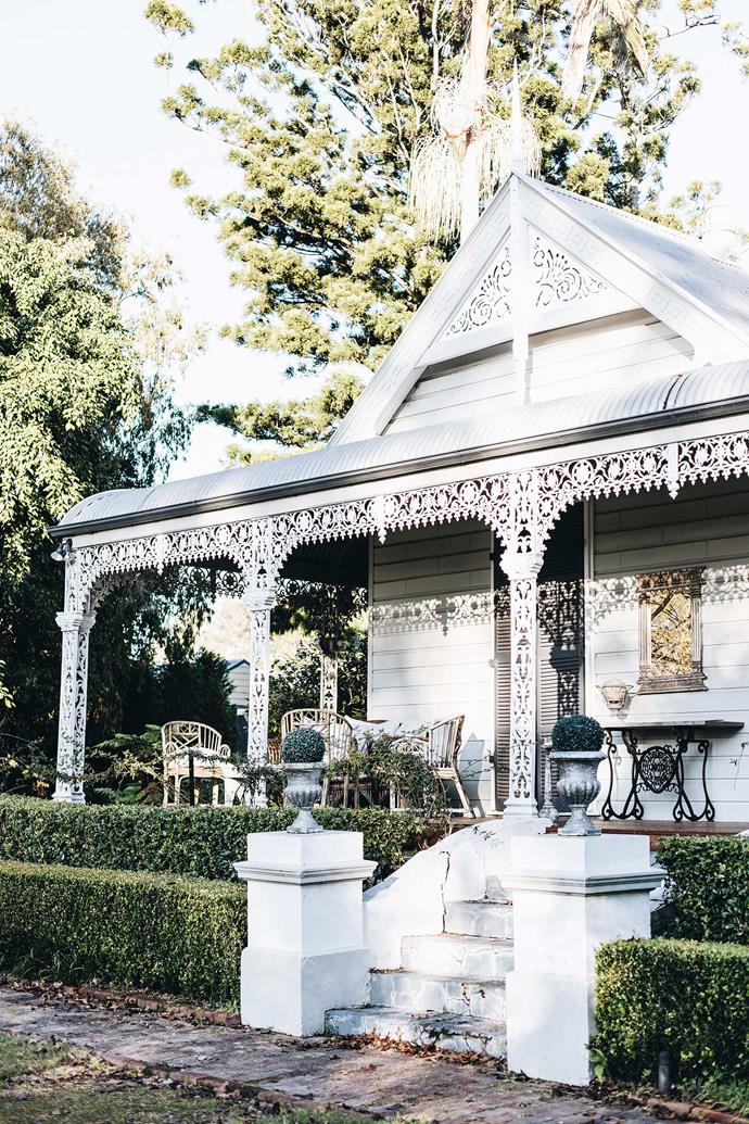 """The Villa Country House Retreat offers relaxation and indulgences. While the homestead is today a local landmark, in the 1980s it was in a state of total disrepair. At that time, [The Maitland Mercury](https://www.maitlandmercury.com.au/story/5025279/historic-kiora-villa-at-morpeth-open-to-public-photos/