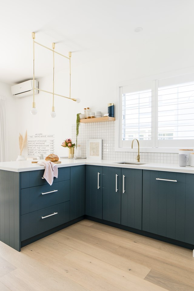 """A place for everything in the sleek kitchen of [this northern beaches retreat](https://www.homestolove.com.au/cottage-rental-renovation-northern-beaches-22423