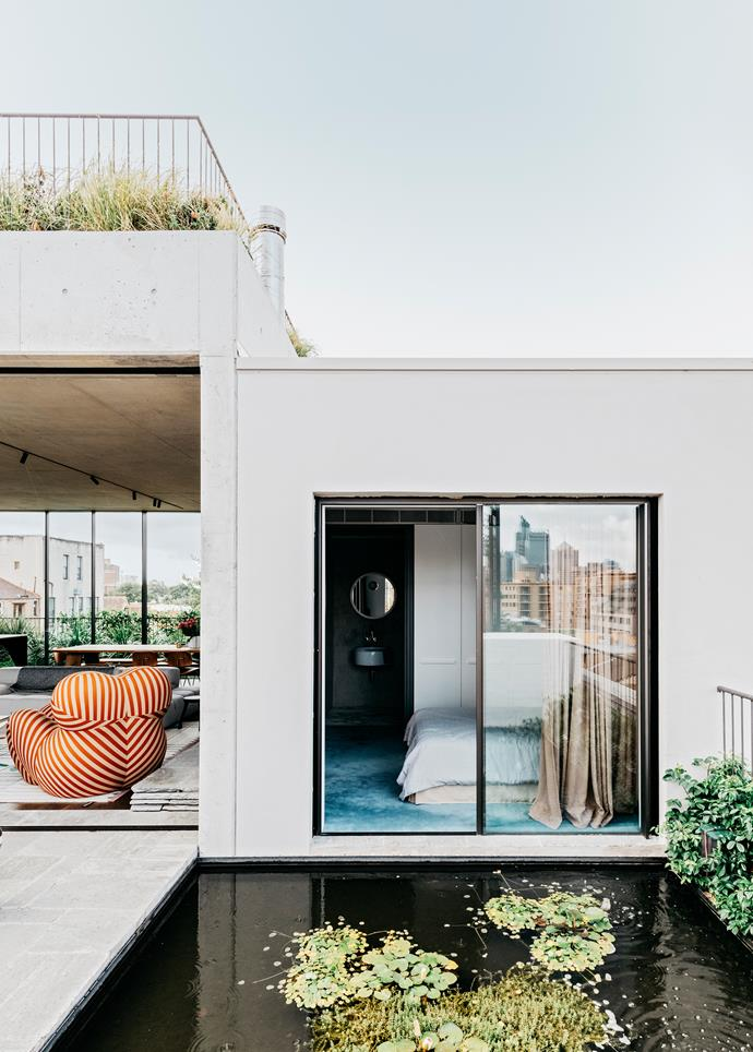 """In this [architect's incredible urban home](https://www.homestolove.com.au/a-rooftop-sydney-apartment-and-garden-5877