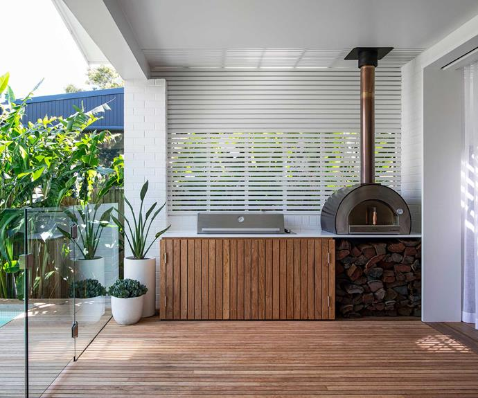 """Poised between indoors and out, this external kitchen gets plenty of use. Five Minuti pizza oven, [Alfa](https://www.alfaromeo.com.au/