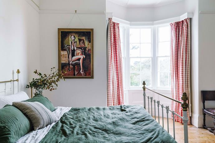 """A mix of old and new furniture and fittings gives the home its relaxed, modern country feel. Bedding used throughout the home is from [Bed Threads](https://bedthreads.com.au/
