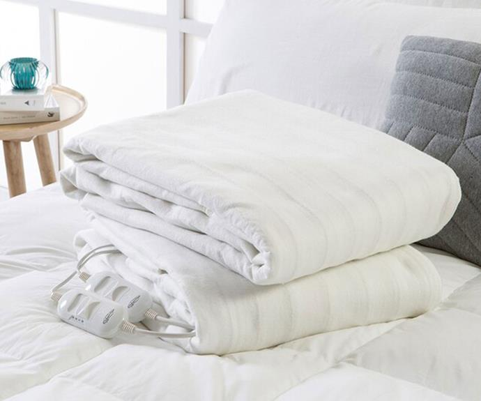 """**[Onkaparinga fully fitted electric blanket, $219.95 (Queen), Pillow Talk](https://www.pillowtalk.com.au/fully-fitted-electric-blanket-onkbffebkt18/