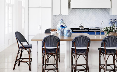 12 classic Hamptons-style kitchens