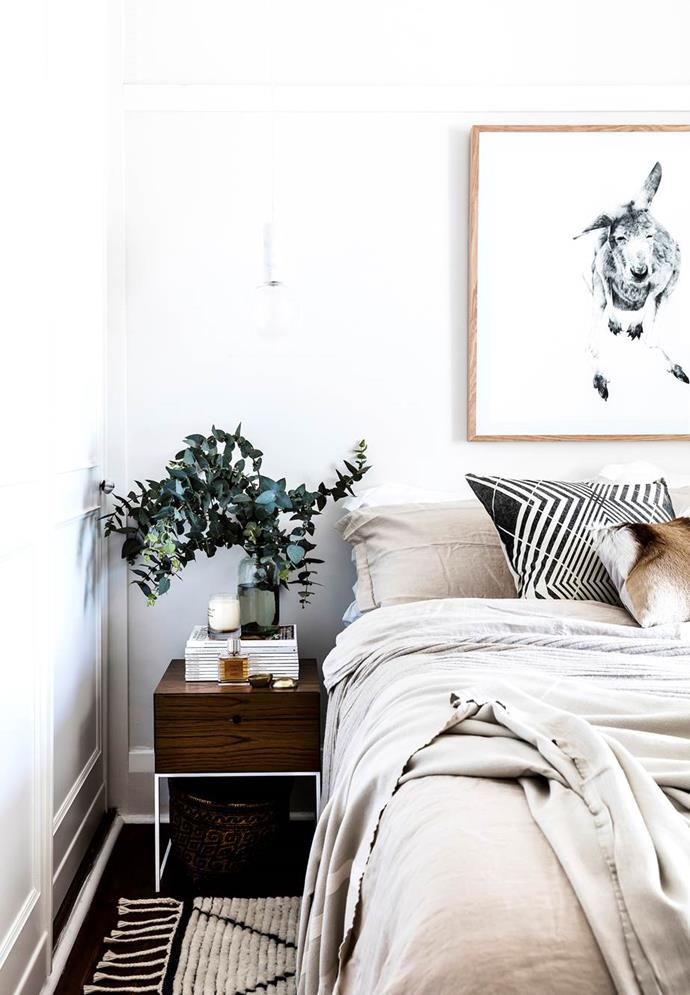 """The simple, clean scheme in this bedroom in an [Art Deco apartment in Sydney](https://www.homestolove.com.au/country-coastal-decor-20537