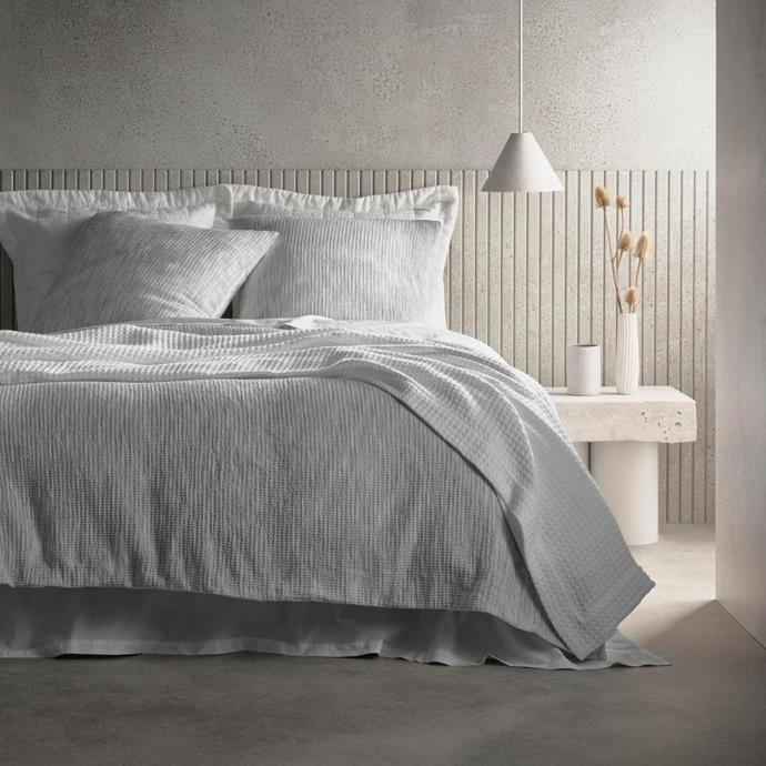 """**Dennings Quilt Cover, Queen, $299.99, [Sheridan](https://www.sheridan.com.au/dennings-quilt-cover-s87e-b110-c194-559-monochrome.html