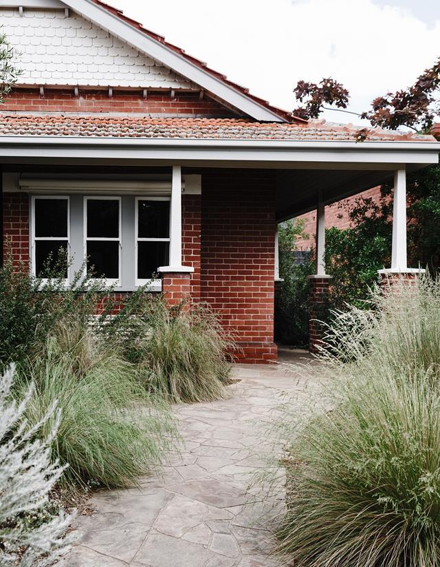 """Designer Sam Cox has created a slice of [inner-city bushland](https://www.homestolove.com.au/inner-city-native-garden-22428