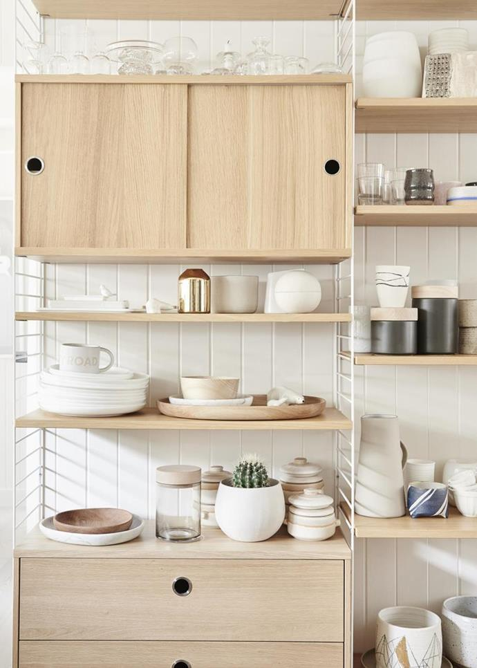 """Simone Haag's clean, easy-going aesthetic is modelled in her own [Scandi-style home](https://www.homestolove.com.au/stylist-simone-haags-seamless-scandi-style-home-4012