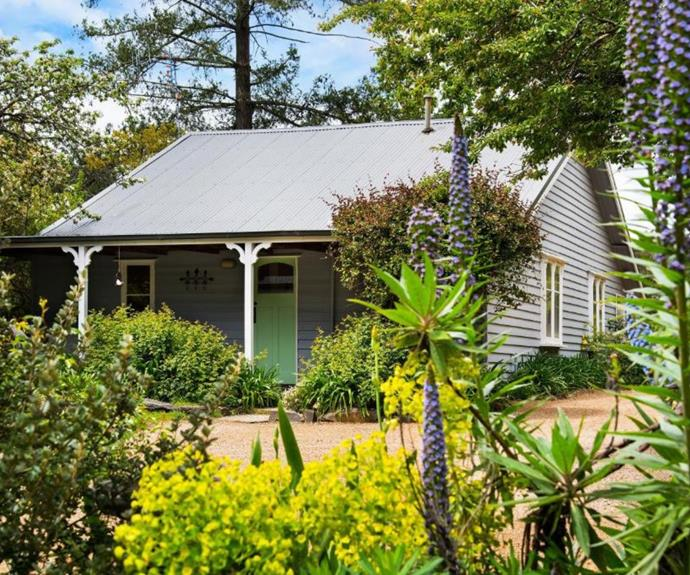 """[**Illoura**](https://www.booking.com/hotel/au/illoura-hepburn-springs.en-gb.html