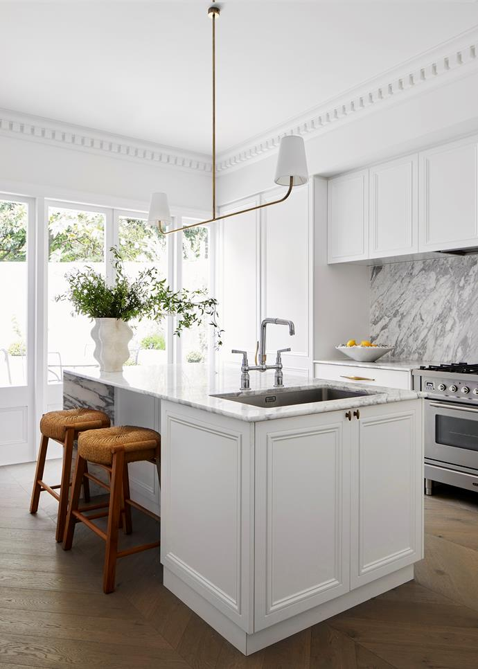 Classicism is met with a crisp, modern sensibility in this kitchen by interior architect Phoebe Nicol. By being generous in her specification of Statuario marble for both the benchtops and the splashback, Phoebe has deftly underlined the sophistication of this space.