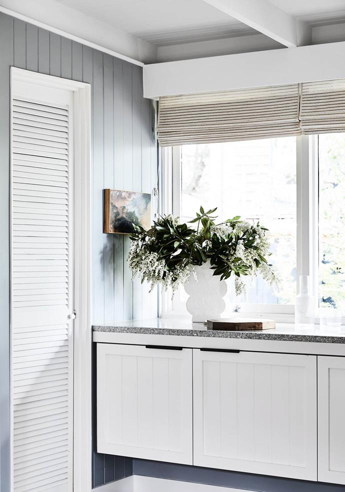 """>> [How to bring the outdoors in with beautiful blooms](https://www.homestolove.com.au/foliage-arrangement-ideas-21384