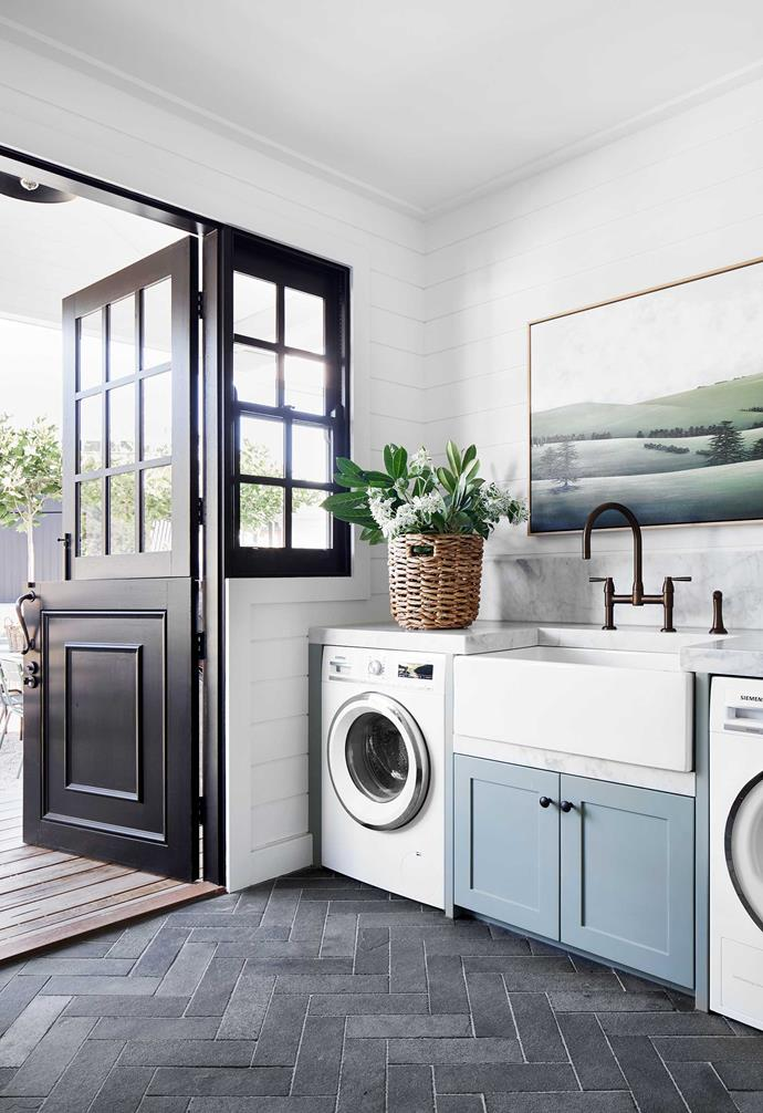 """To emphasise the [modern-farmhouse aesthetic](https://www.homestolove.com.au/farmhouse-style-interior-ideas-4345