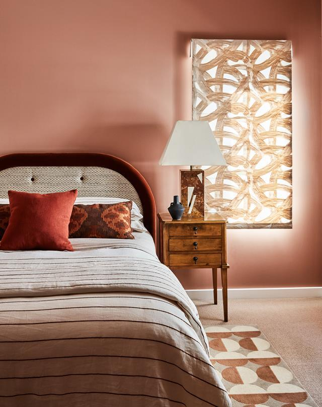 """Glorious colour and texture define Designer Rug's senior account manager [Johnathon Murray's residence](https://www.homestolove.com.au/dramatic-home-southern-highlands-22492
