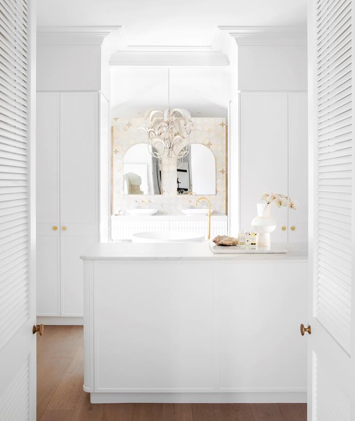 Louvre doors, Parkwood Doors. Joinery, Carrera by Design. Benchtops in Talostone Imperial Danby.
