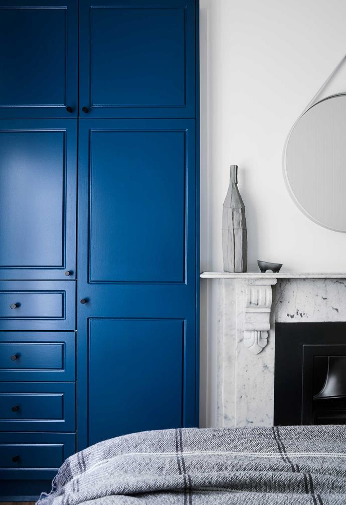 """**Guest room** """"The colour of the joinery was driven by the original leadlight windows,"""" says Gillianne of the [Dulux](https://www.dulux.com.au/