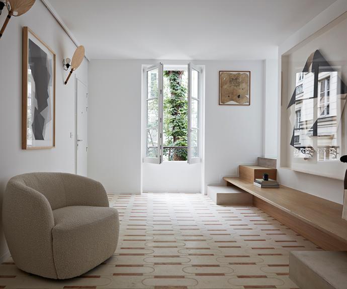 "French gallerist Amélie du Chalard has transformed a 1940s artist's studio into a [contemporary Parisian family home](https://www.homestolove.com.au/french-gallerist-home-paris-21799|target=""_blank""), with plenty of art."