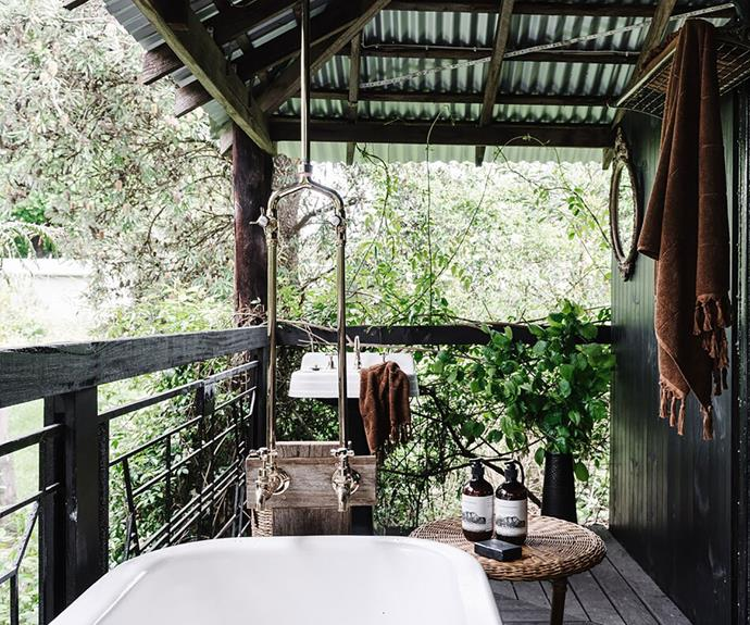 """Birdsong fills the air at dawn - which also happens to be the best time to enjoy a quiet moment in the [outdoor tub](https://www.homestolove.com.au/outdoor-bath-hotel-australia-19987 target=""""_blank"""")."""