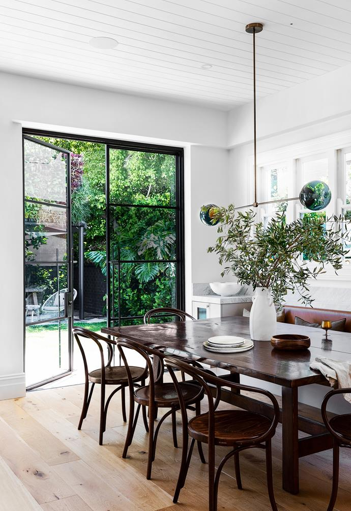"""The North Shore Sydney home Fleur  shares with her husband Phil and children Grace, 11, and six-year-old twins Max and Maddie is a celebration of indoor-outdoor living. With the feel of a Parisian bistro, the [dining area](https://www.homestolove.com.au/relaxed-dining-area-ideas-3675