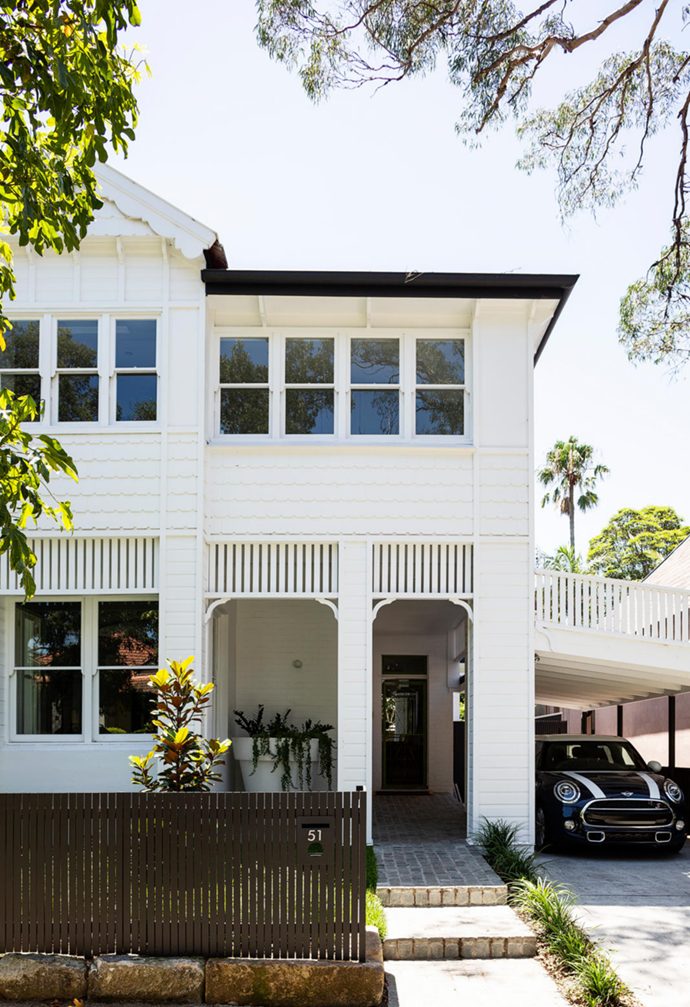 """Bringing an older property into the modern era takes masses of patience and a steadfast vision, but this [19th-Century home on Sydney's Lower North Shore](https://www.homestolove.com.au/elegant-renovated-victorian-home-mosman-22468