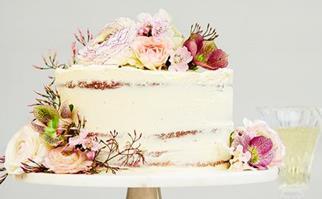 Passionfruit naked cake