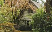 Tour Edna Walling's Bickleigh Vale Village