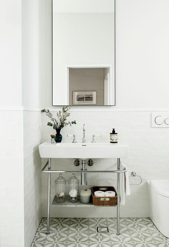 """Subway tiles and Astra Walker 'Olde English' tapware bring modern heritage basics to the bathroom of this [restored Sydney home](https://www.homestolove.com.au/restored-heritage-home-sydney-21929