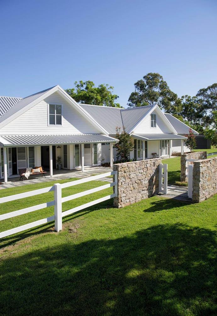 """Despite it's rural setting, this [modern farmhouse in the Gold Coast Hinterland](https://www.homestolove.com.au/modern-farmhouse-build-hinterland-22527