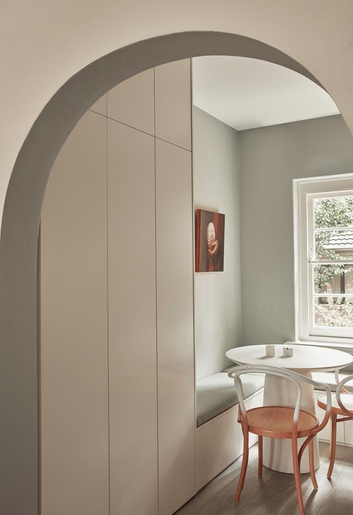 The opening from the lounge to the kitchen was quite wide, meaning the spaces blended into one another. New arches manage to provide a necessary demarcation between the rooms.