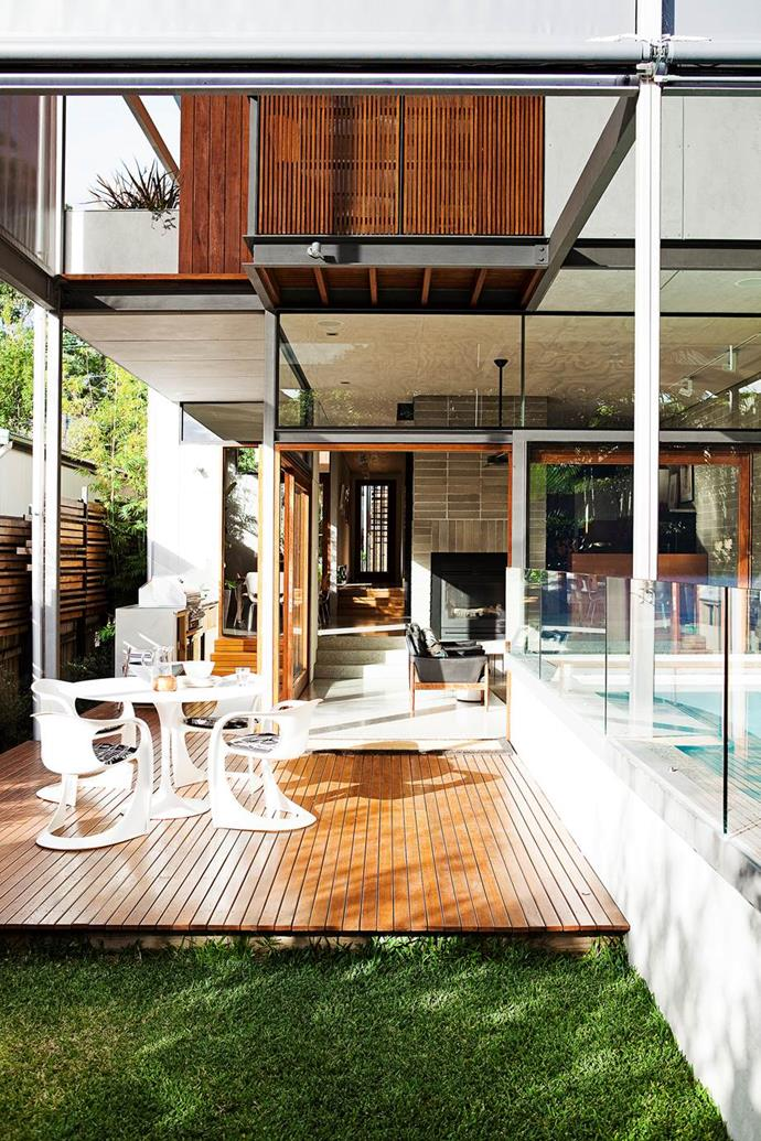 """An architecture couple designed and built this [eco-friendly mid-century modern home](https://www.homestolove.com.au/how-to-build-an-eco-friendly-family-home-from-scratch-3490