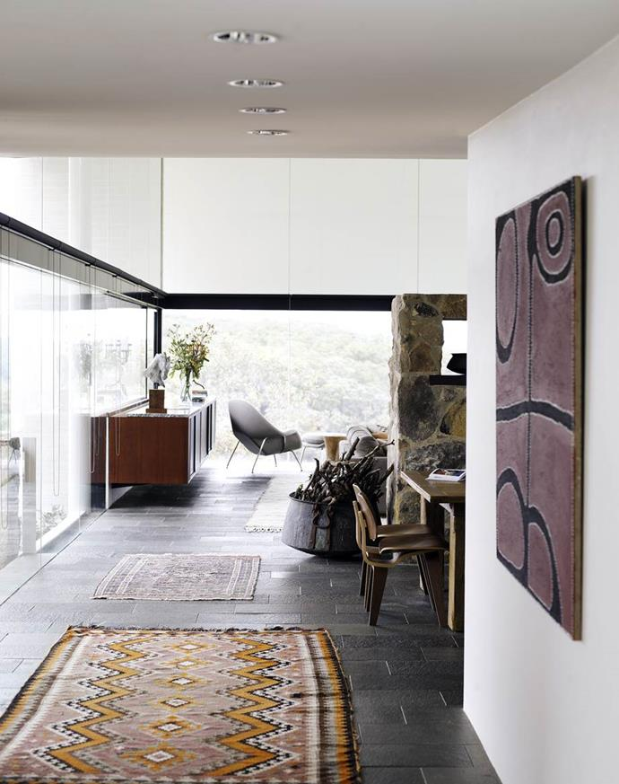 """This [award-winning Modernist marvel](https://www.homestolove.com.au/harry-seidlers-award-winning-modern-marvel-2905