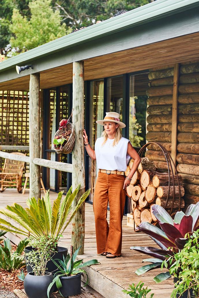 The sheer variety of nature on Emma's doorstep, including the beach and her backyard's mini rainforest, inspired the colour palette of reds, blues and greens.