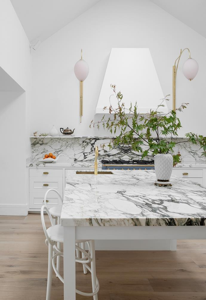 """Suzie designed the [marble kitchen](https://www.homestolove.com.au/magnificent-marble-kitchens-6797